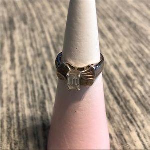 Vintage Sterling Sliver Size 7 ring